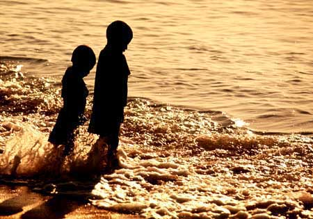 kids_sea.jpg